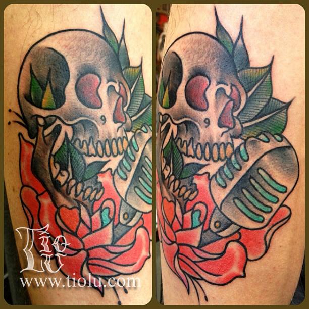 Skull Mic Rose